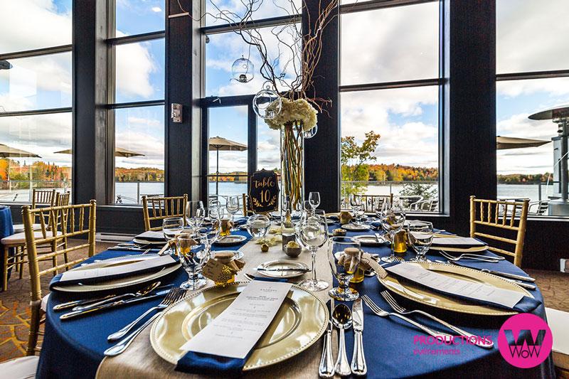 Centre-de-table-bois,-chandelles,-nappe-marin,-sous-assiette