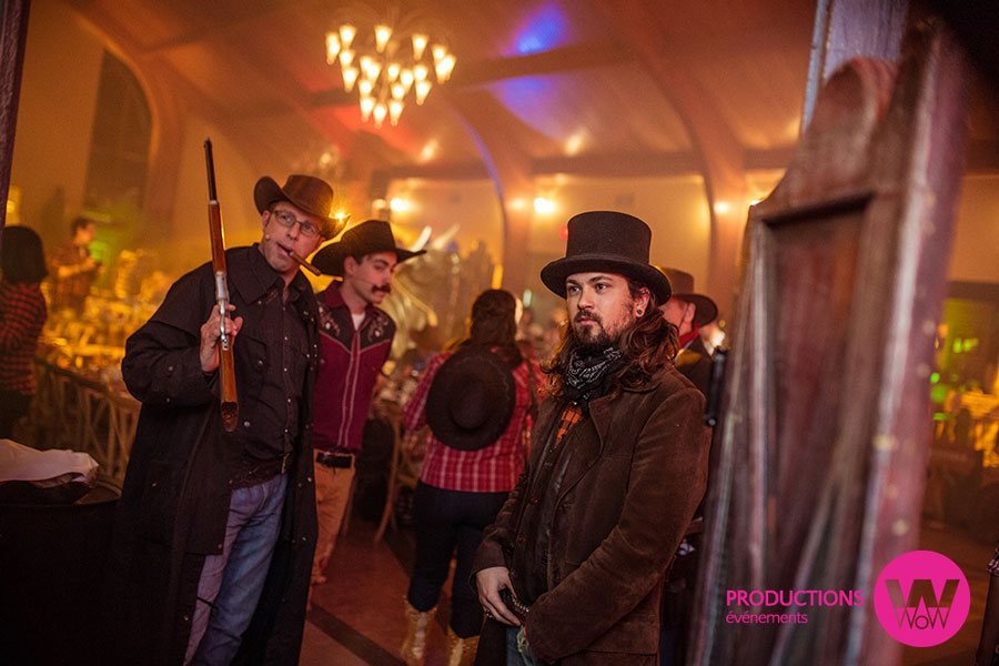 Comediens-Acceuil-Saloon-Western