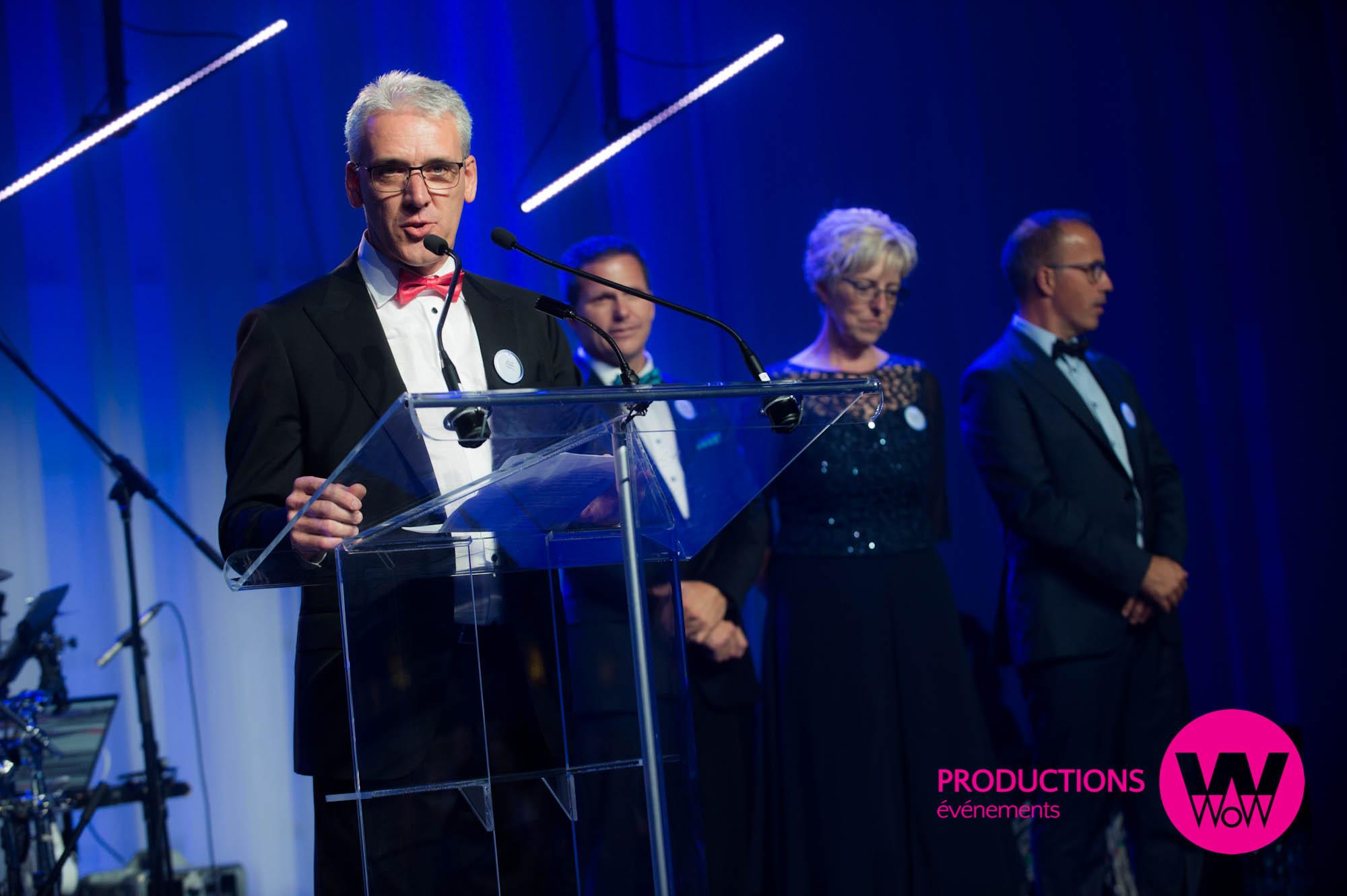 Plexiglass podium lutrin pour congrès ou événement